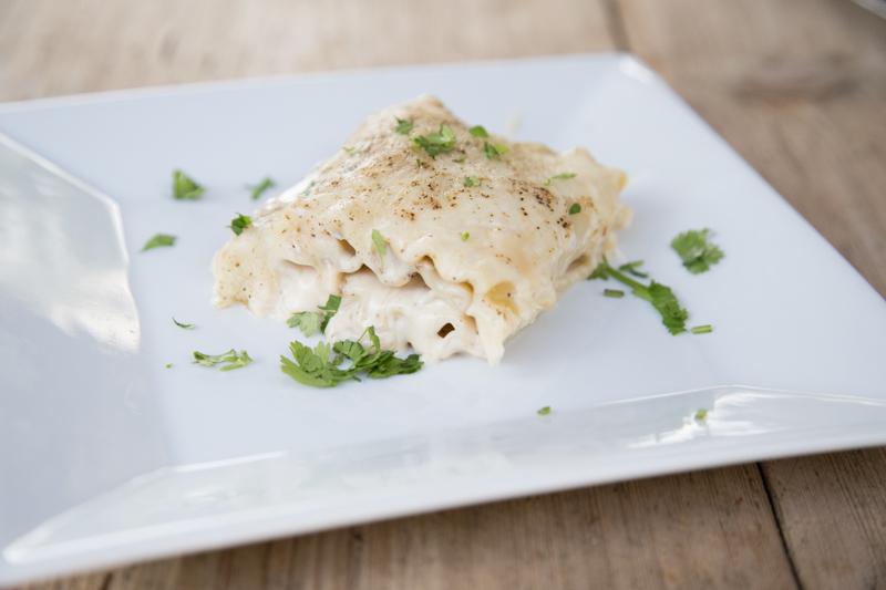 Chicken Alfredo Lasagna Rollups-10