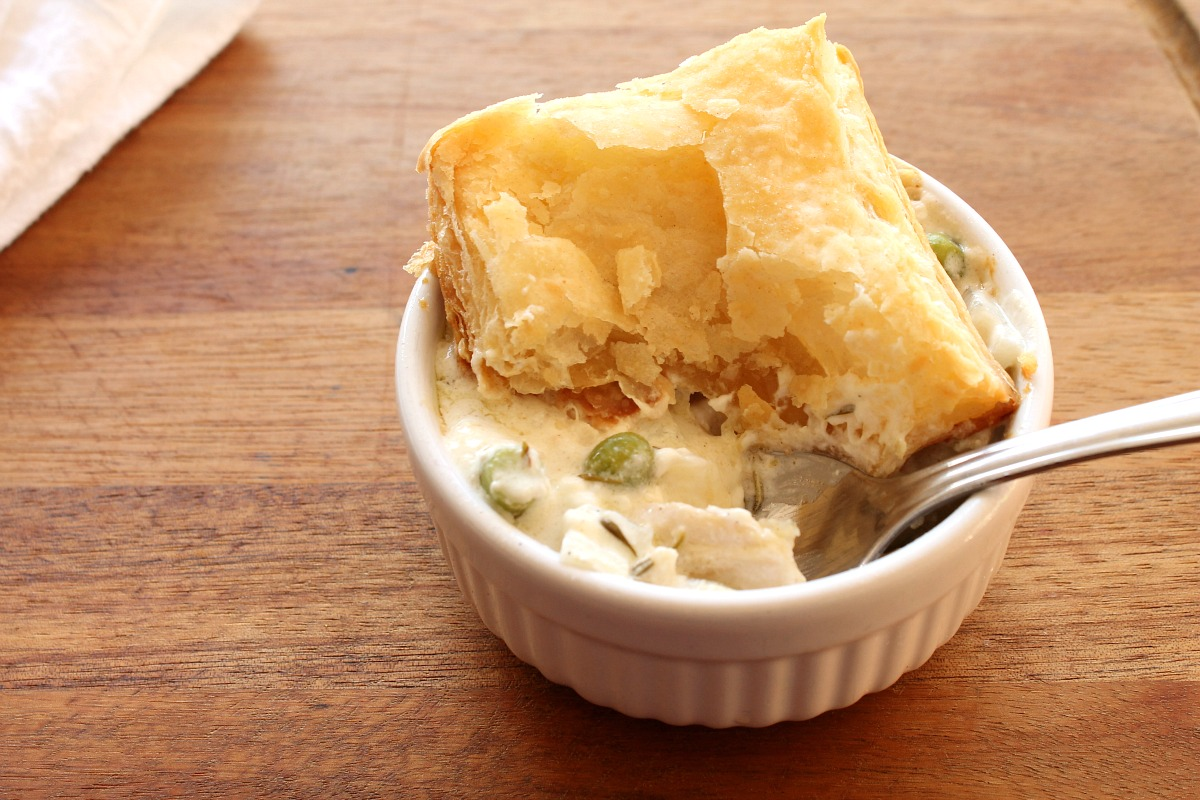 Creamy Chicken Pot Pie from 5DollarDinners.com