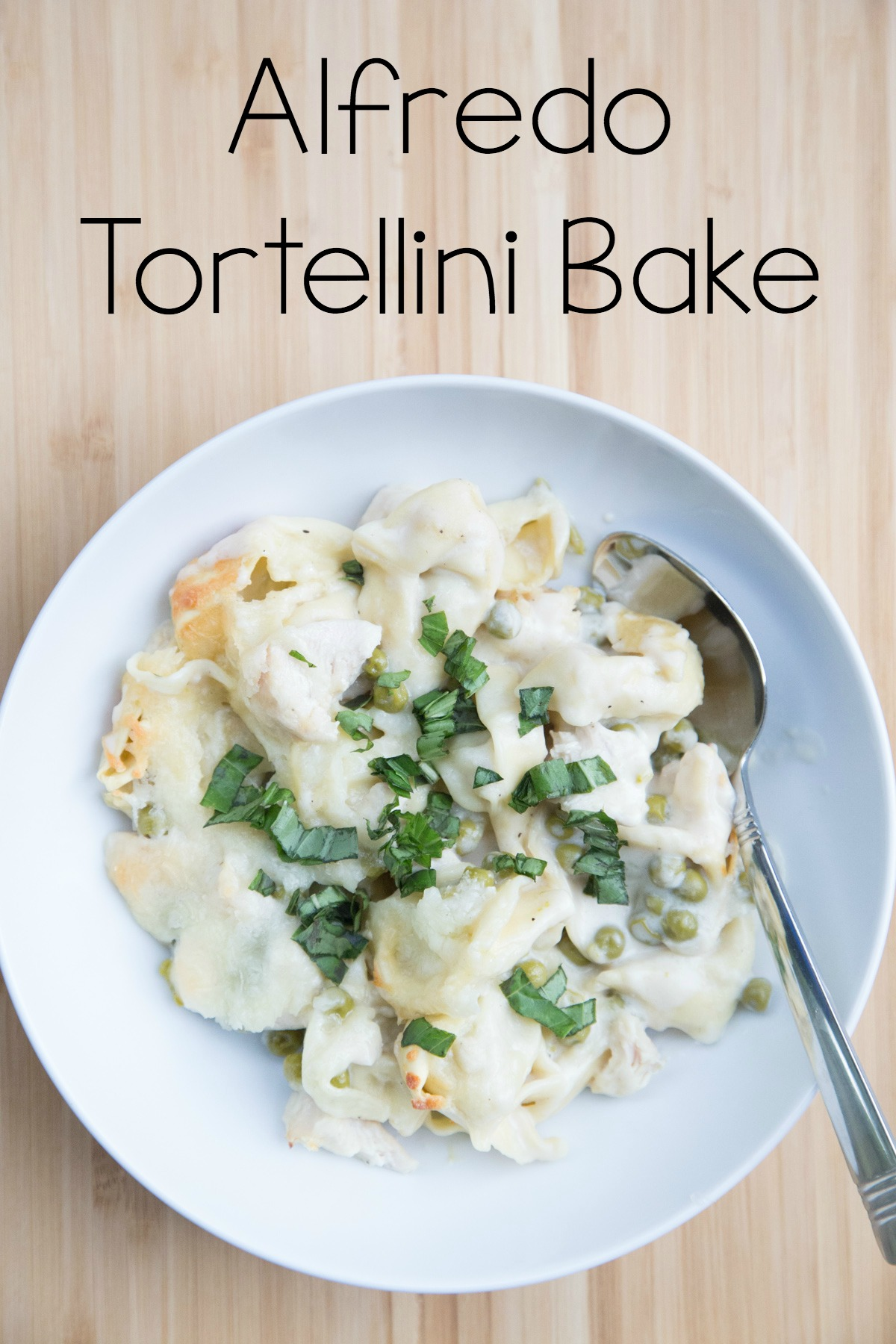 5 Ingredient Alfredo Tortellini Bake
