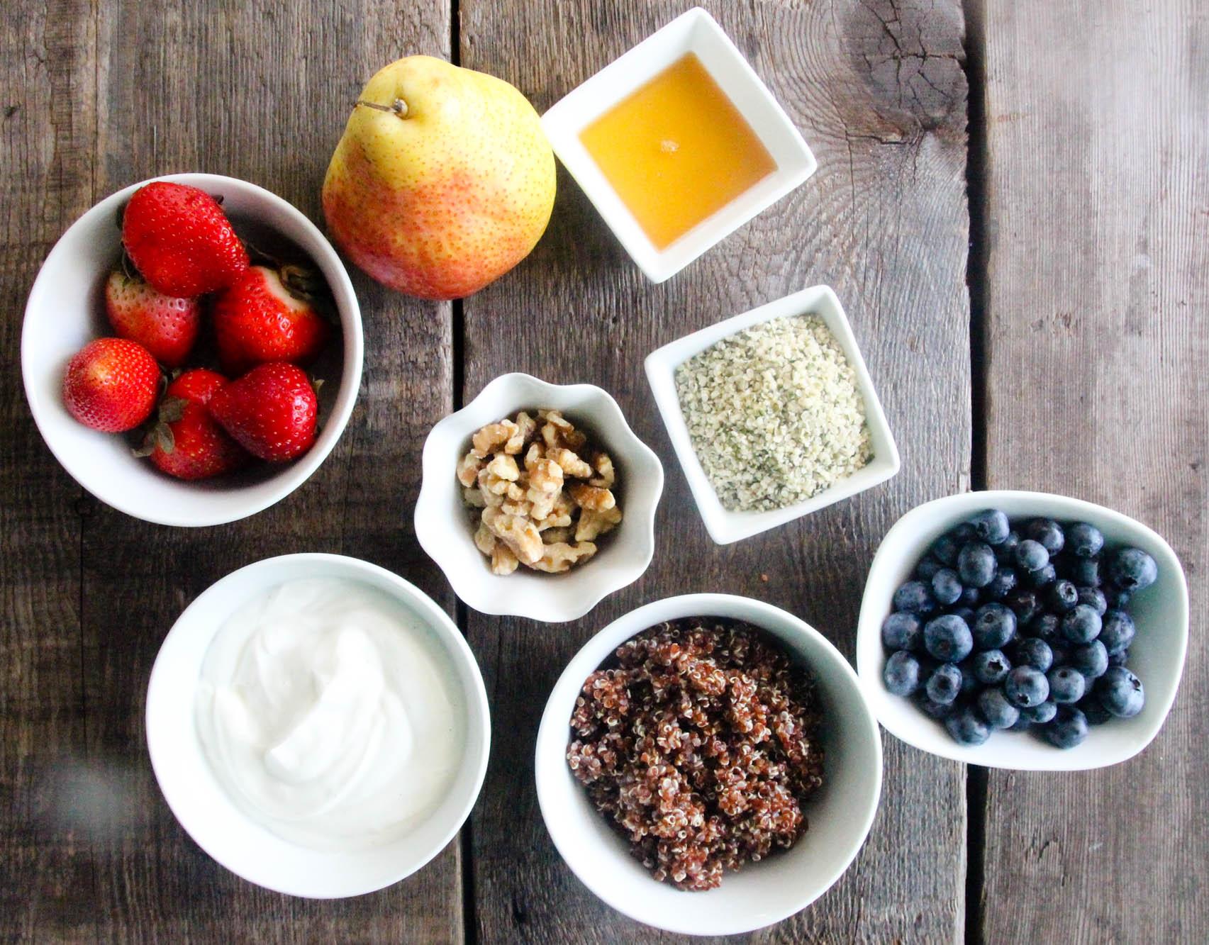 red-quinoa-hemp-hearts-fruit-smoothie-bowl-2