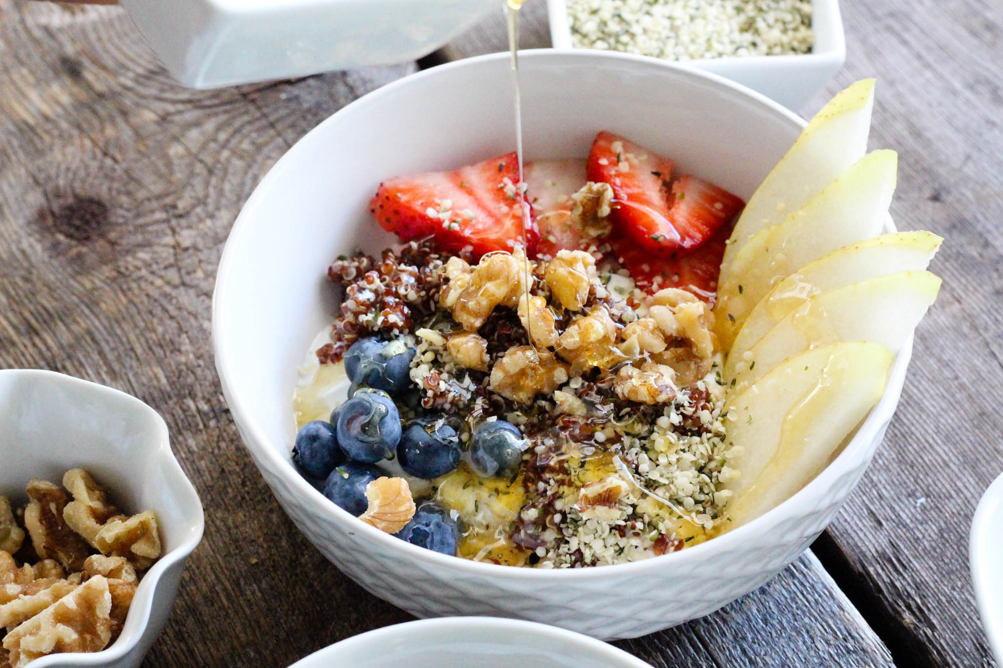 red-quinoa-hemp-hearts-fruit-smoothie-bowl-24