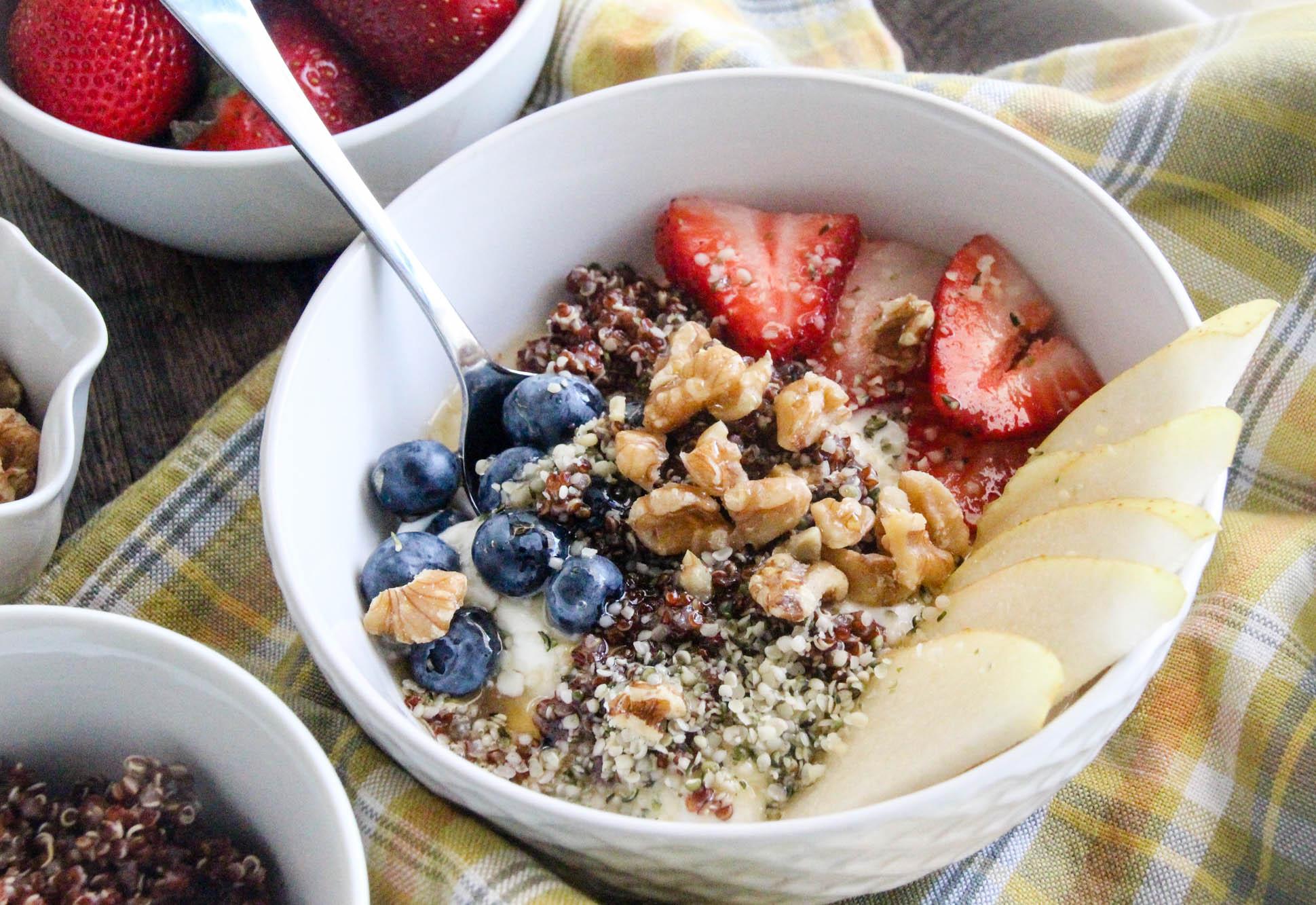 red-quinoa-hemp-hearts-fruit-smoothie-bowl-30