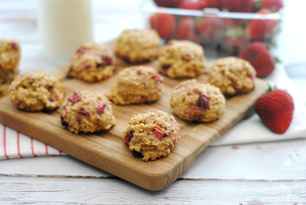Strawberry Oatmeal Cookies from 5DollarDinners.com