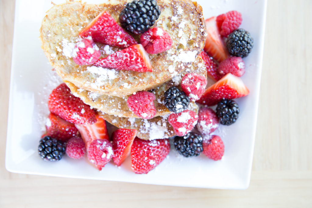 cinnamon french toast with berries