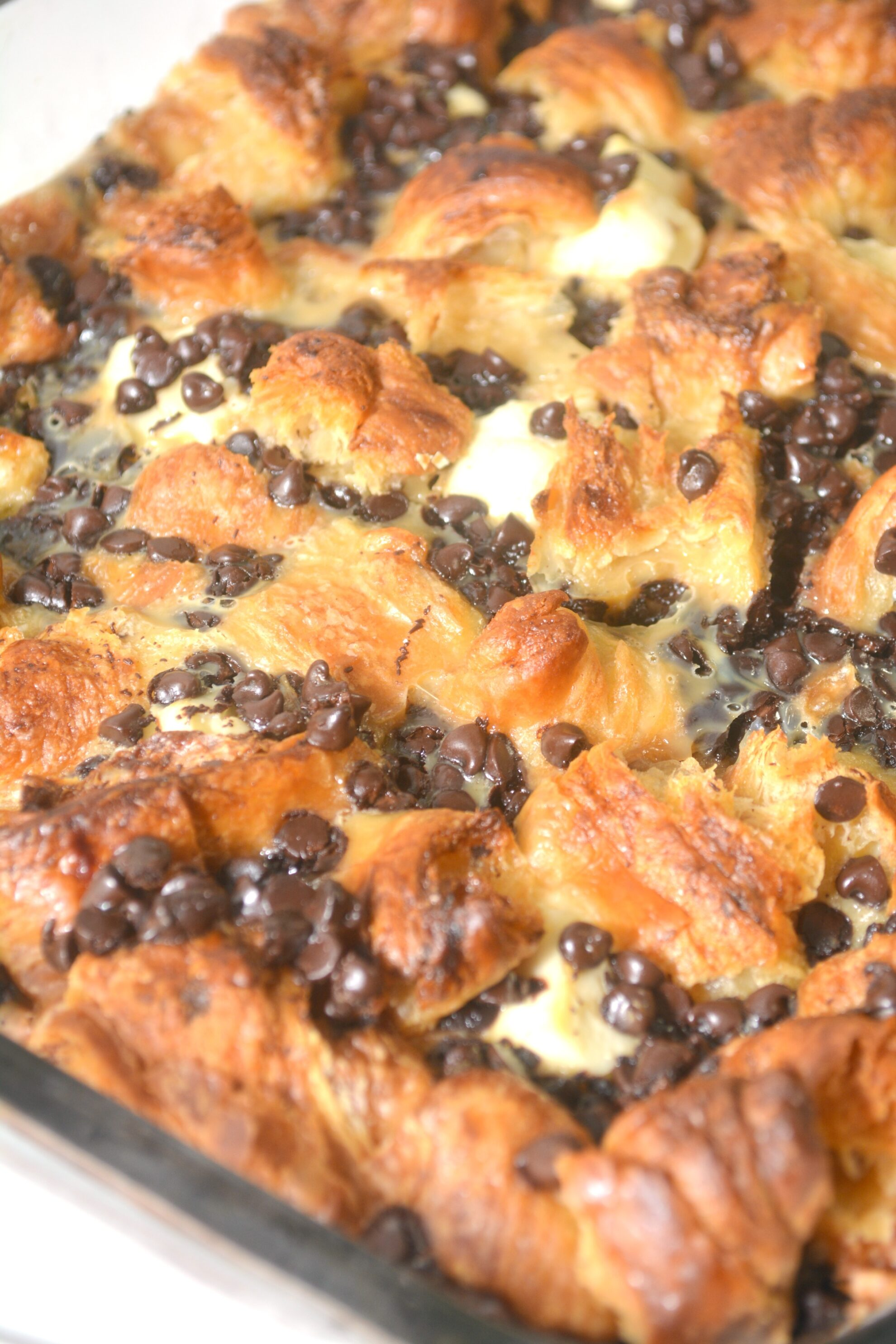 Dessert for breakfast?!?! Umm yes please!!! You'll fall in love with this Chocolate Croissant Bake on 5 Dollar Dinners!