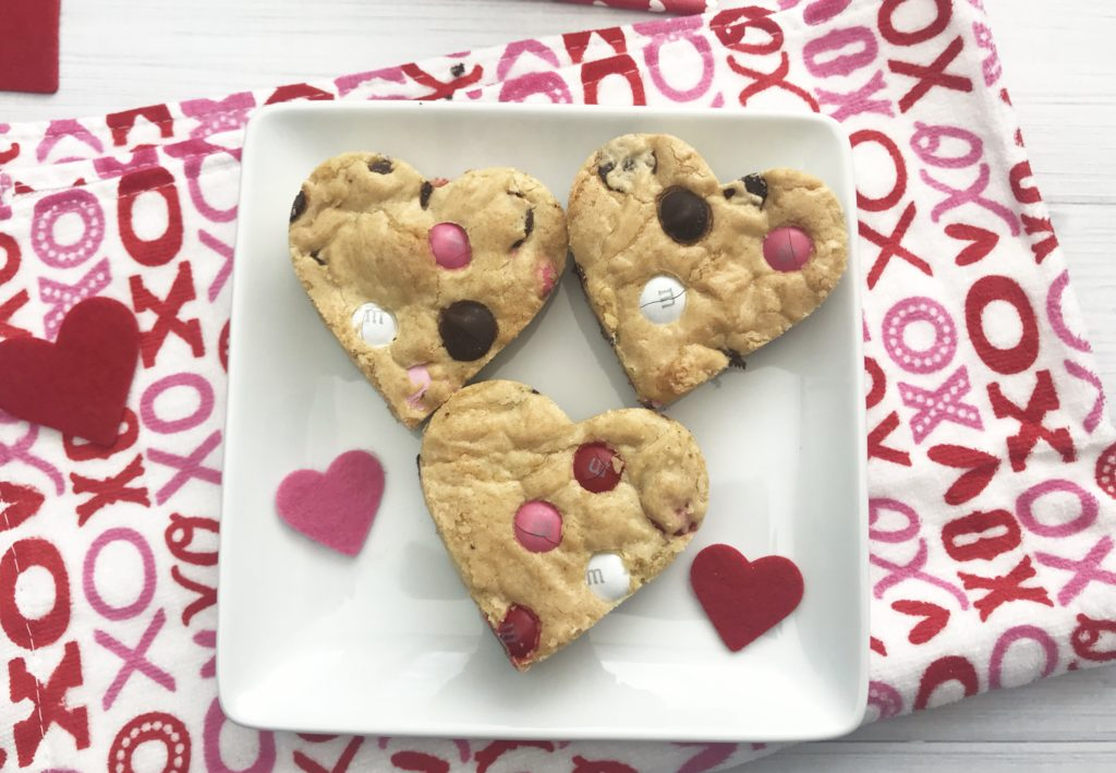 heart chocolate chip cookie bars