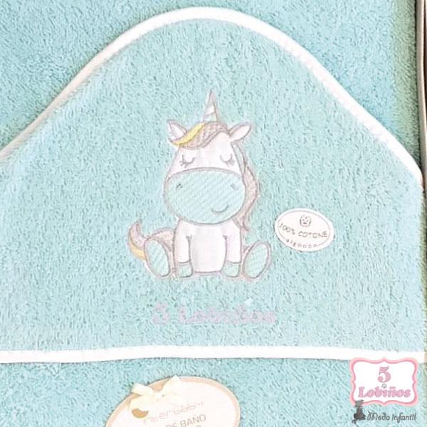 capa de baño unicornio 1