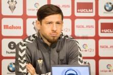 Presentación de Javier Acuña como nuevo jugador del Albacete Balompié/Hugo Piña