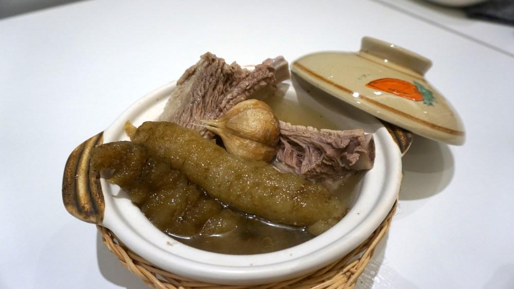 Pork rib soup with Sea cucumber 1