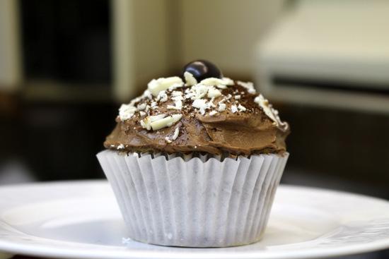 5starcookies Coffee Cupcakes on the plate