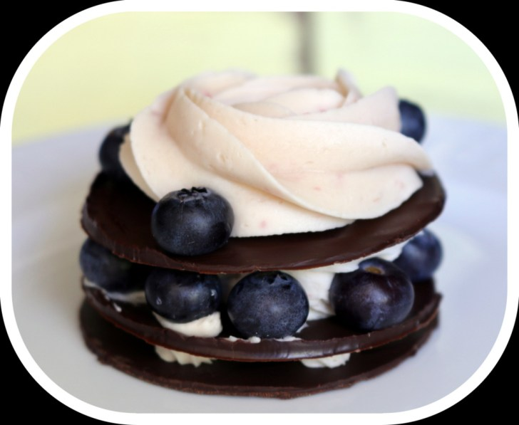 Chocolate Mousse Towers from the best food blog 5starcookies-Blueberry and Rose Decoration