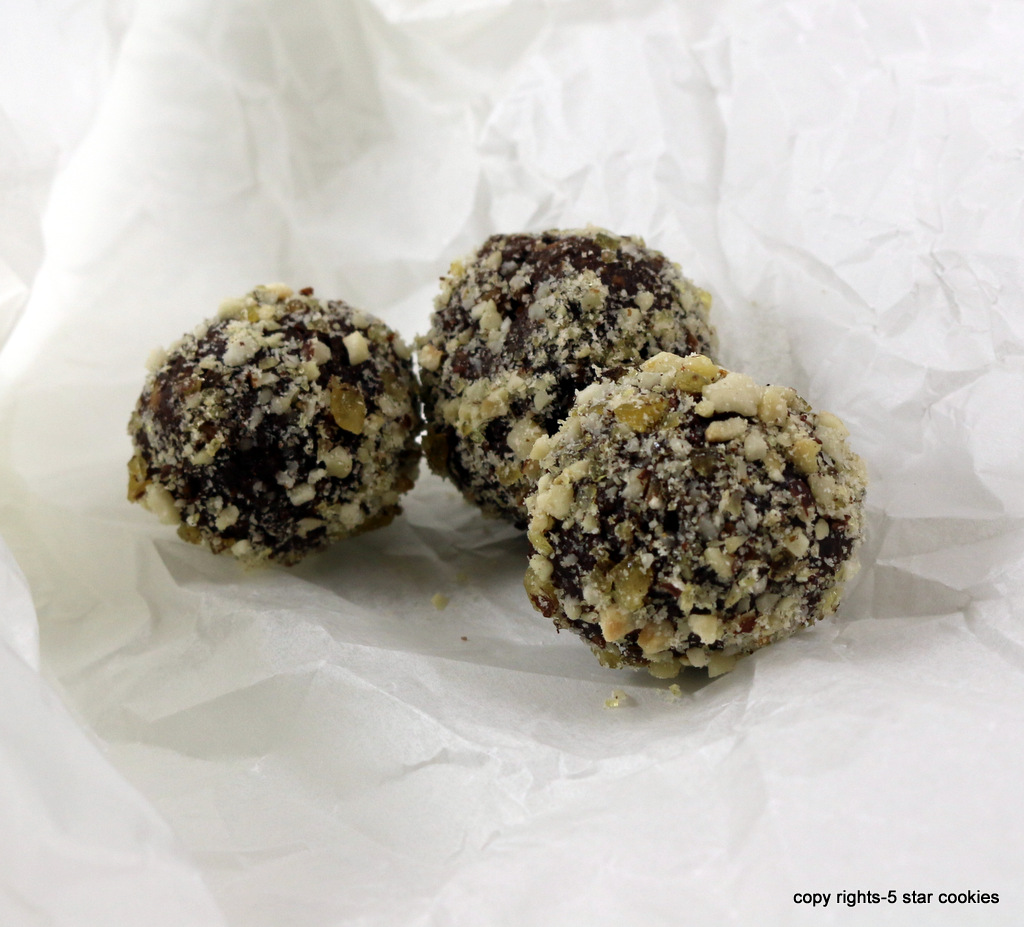 chocolate coffee bombs from the best food blog 5starcookies-enjoy your chocolate bombs