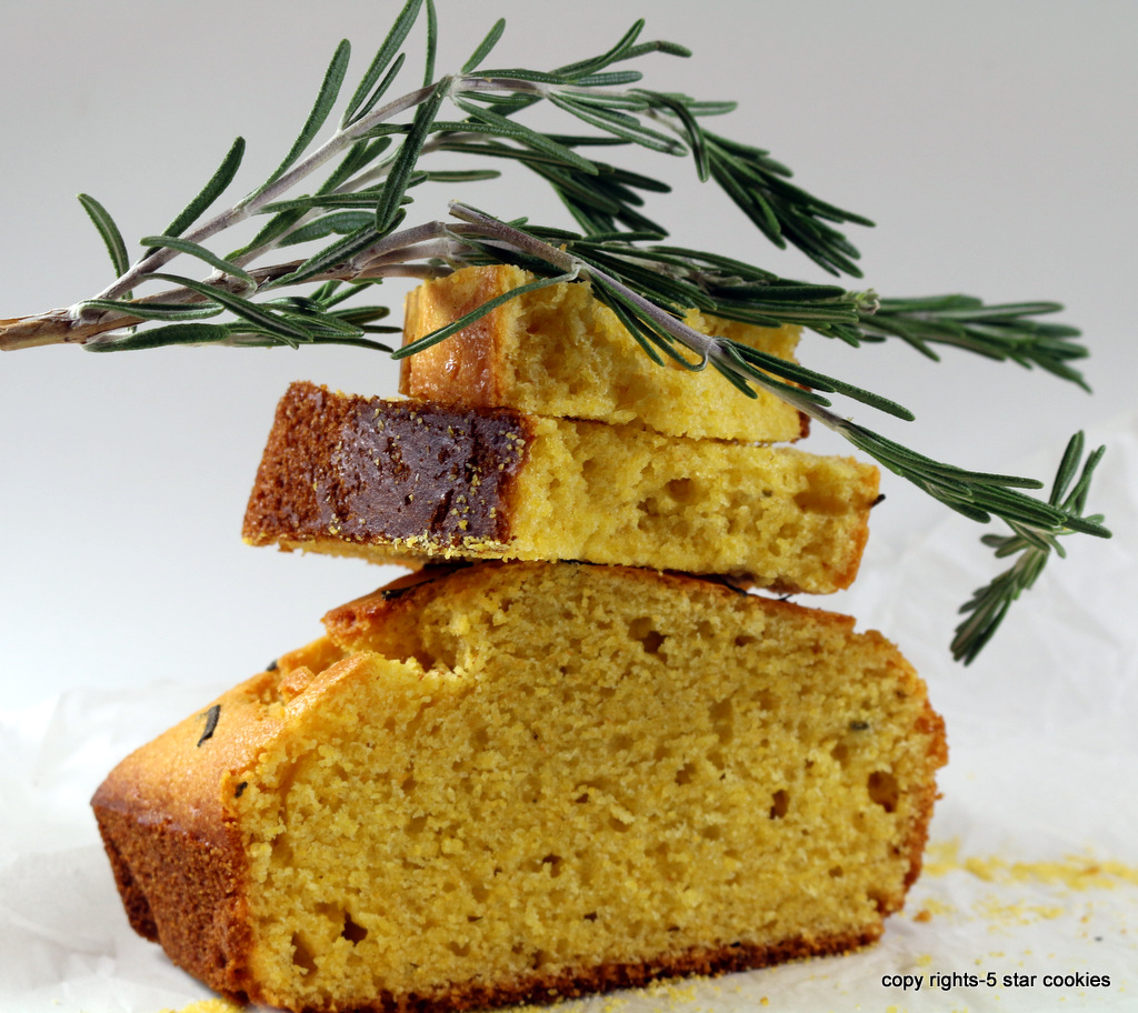 cornbread from the best food blog 5starcookies-bake your cornbread and enjoy