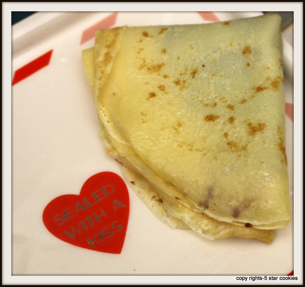 crepes from the best food blog 5starcookies-flip the crepe