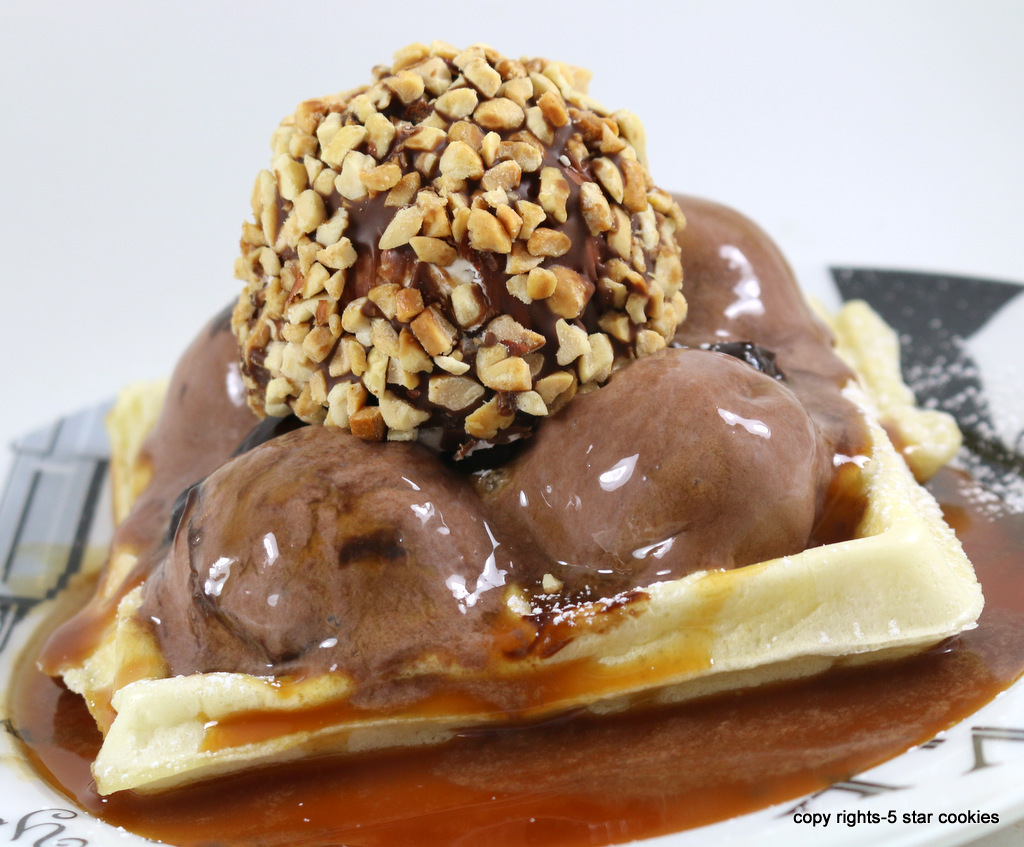 Ice Cream waffles from the best food blog 5starcookies-enjoy and share