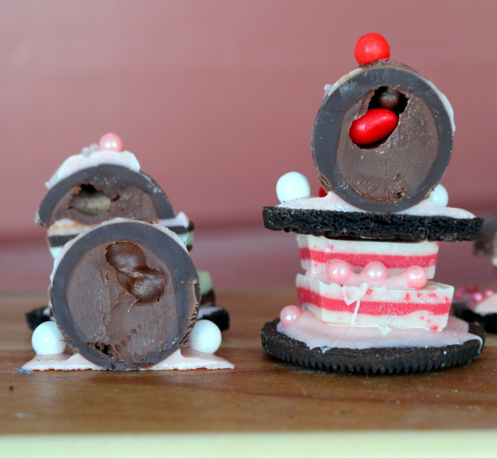 Oreo Top Comfort Candy from the best food blog 5starcookies-Ideal project if you have kids or if you work with them