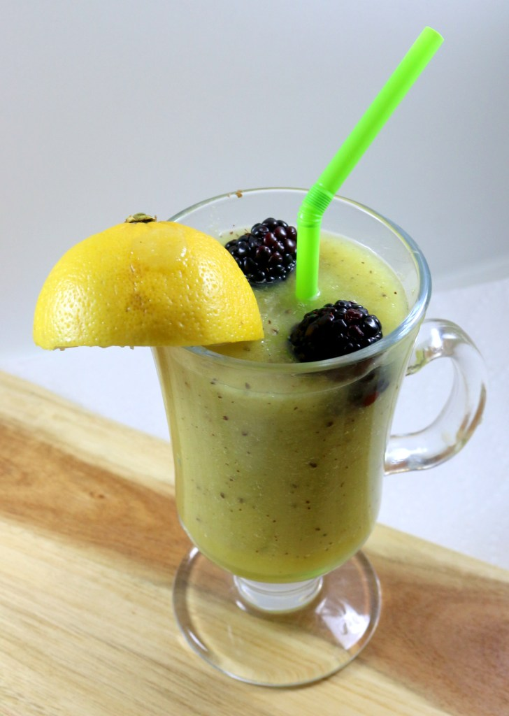 healthy green drink from the best food blog 5starcookies -serve with your favorite fruits and SHARE with all your family and friends