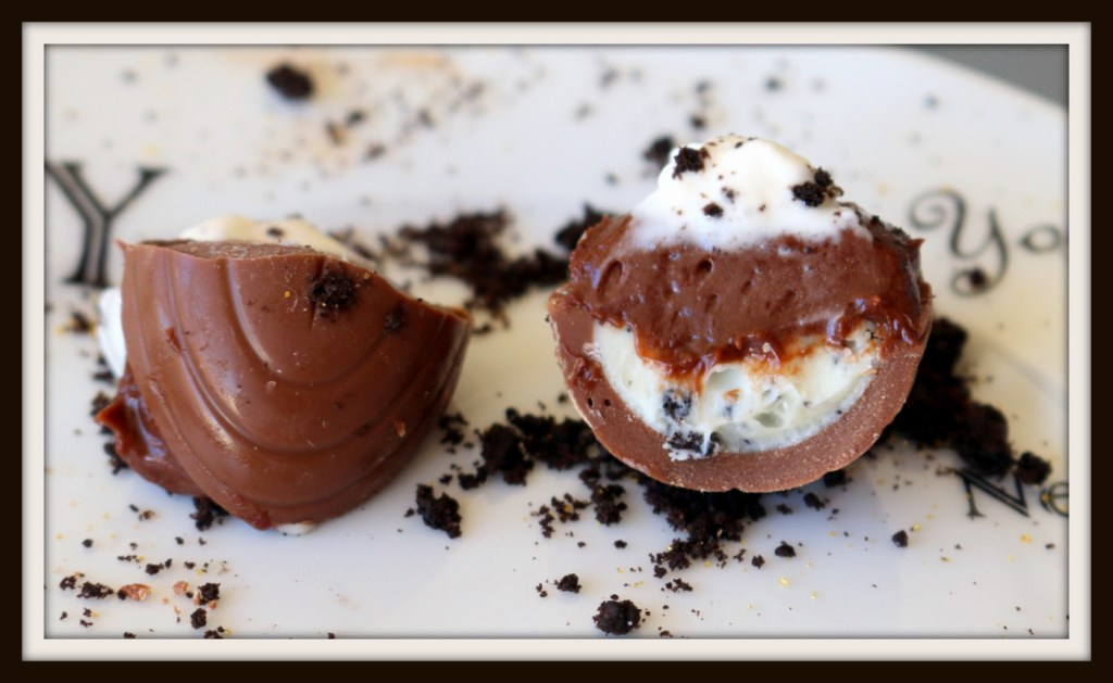 deviled chocolate Oreo eggs from the best food blog 5starcookies -frame your moment