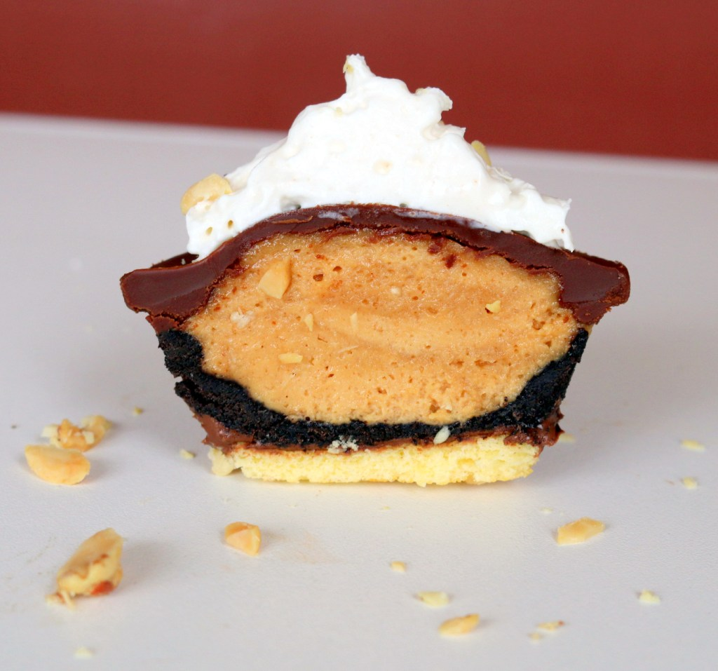 Peanut butter Oreo Mini pie from the best food blog 5starcookies
