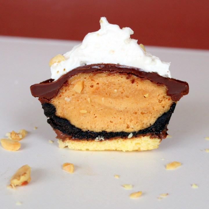 Peanut butter Oreo Mini pie from the best food blog 5starcookies