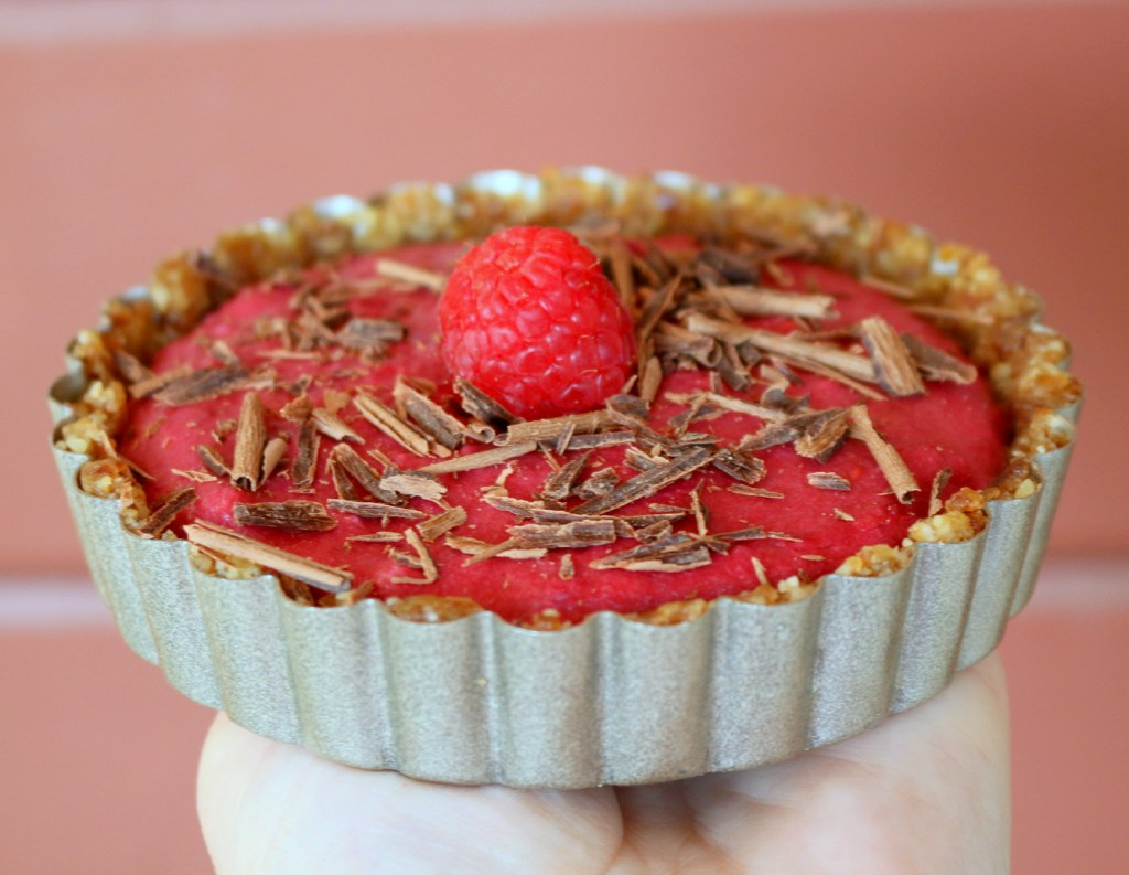 raspberry vegan tarts from the best food blog 5starcookies-5 star cookies recipe that is sugar free and vegan