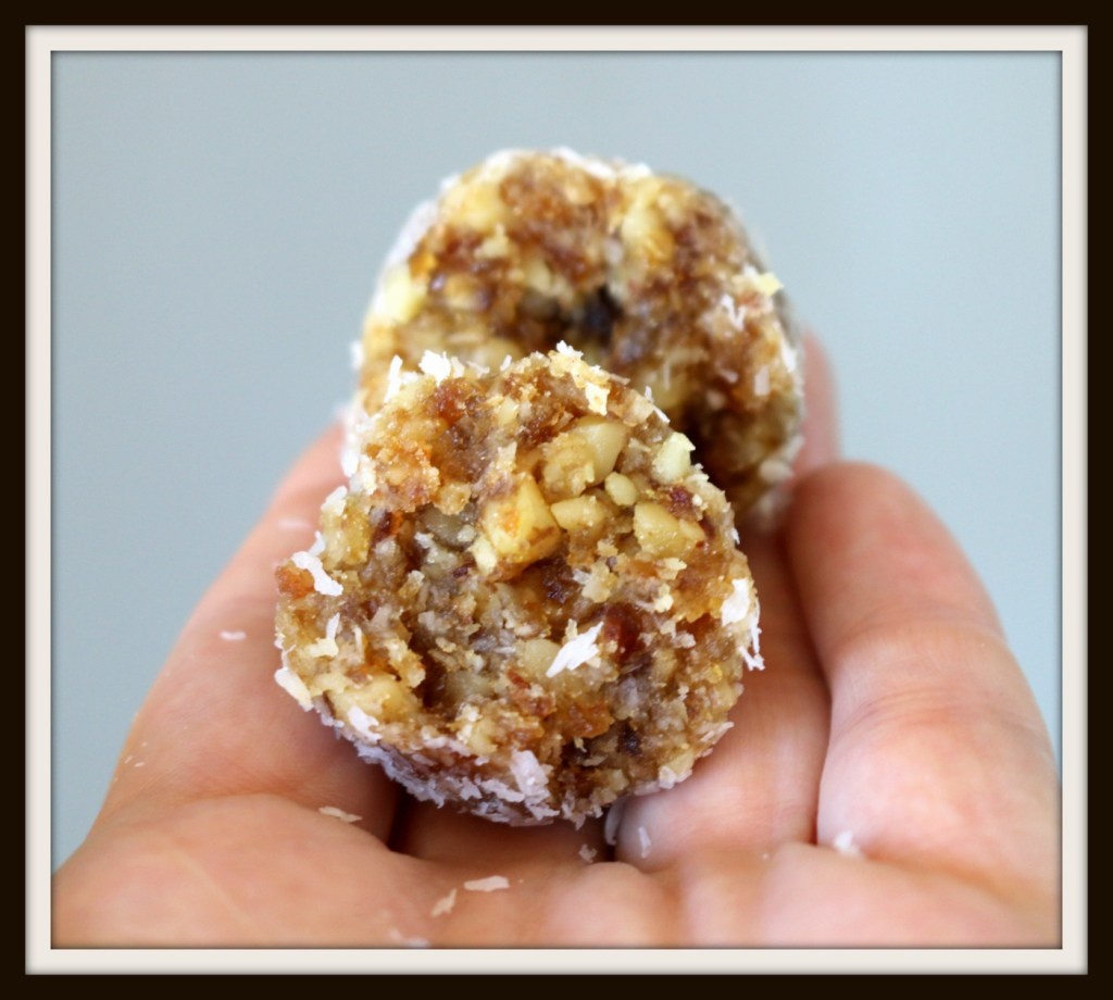 Walnut Date Coconut Bites from the best food blog 5starcookies-enoy and share with all your family,friends and the biggest star in Winnipeg Sean Penn