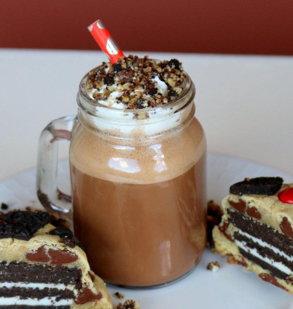 Mocha Oreo Cookie Crumble Frappuccino