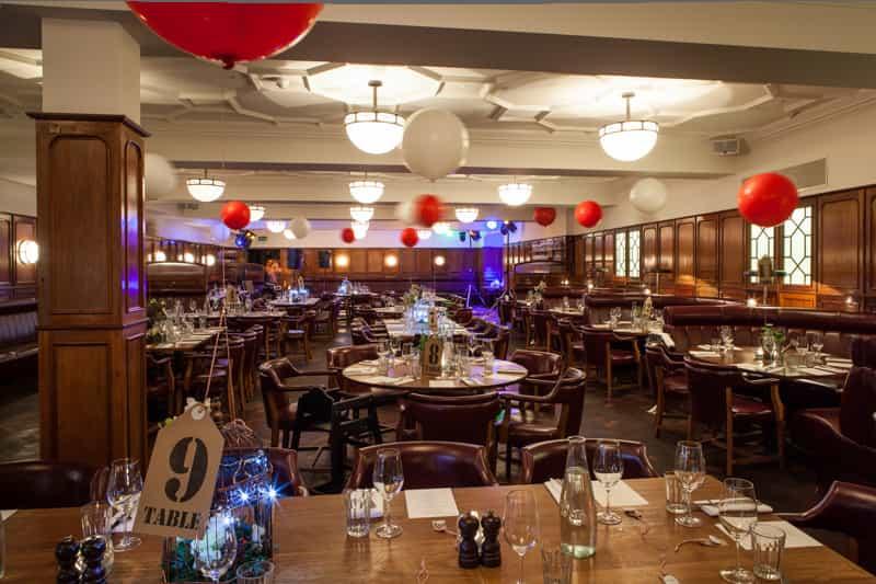 Hawksmoor Guildhall - For A Stylish Wedding 12