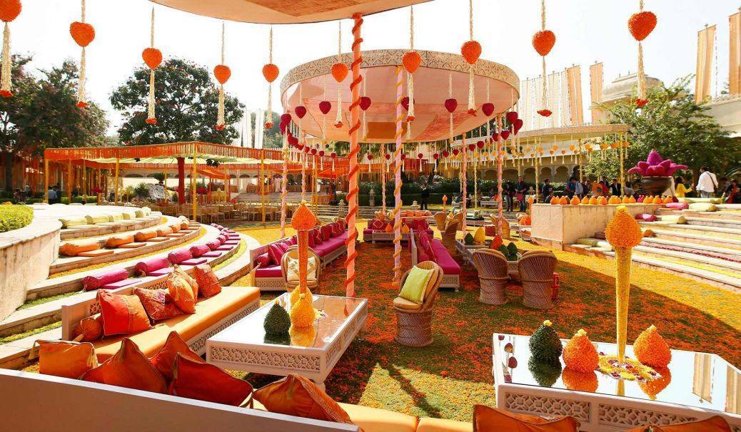 Beautiful opulence is the key to an Indian celebration. Photo: 7tint