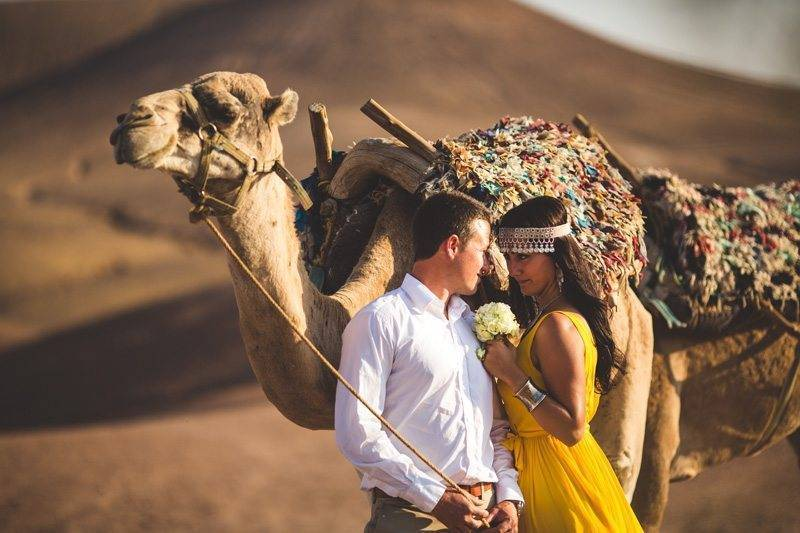 Invite some special guests to your desert wedding! Photo: S6 Photography