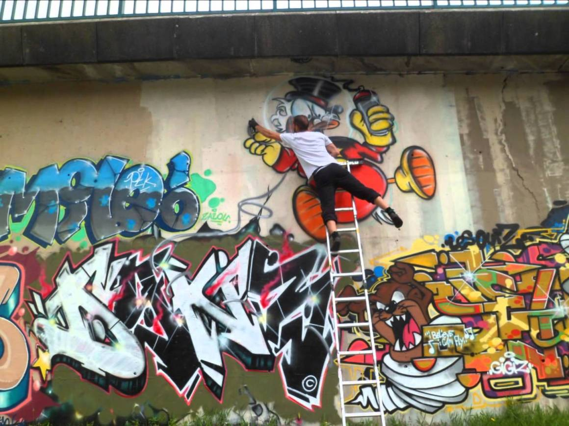 Video graffiti pont d'espagne Pau