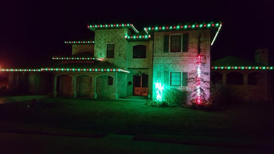 Christmas Lights 15037255 1455695841107548 5399386313821126855 n