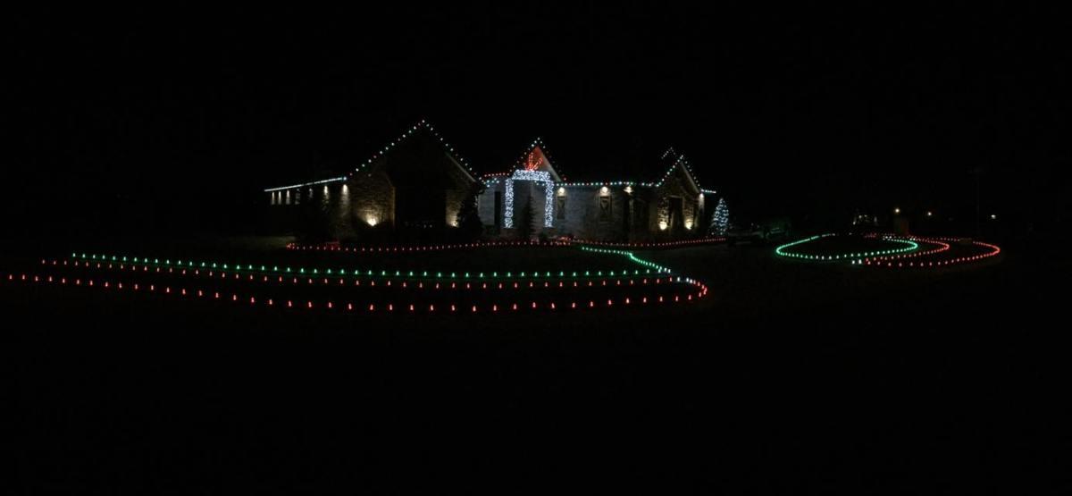 Christmas Lights 15068375 1457733767570422 5531894600095055 o