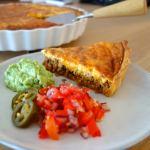 Mexicansk tacotærte med guacamole og tomatsalsa