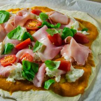 Hjemmelavet Pizza med Skinke