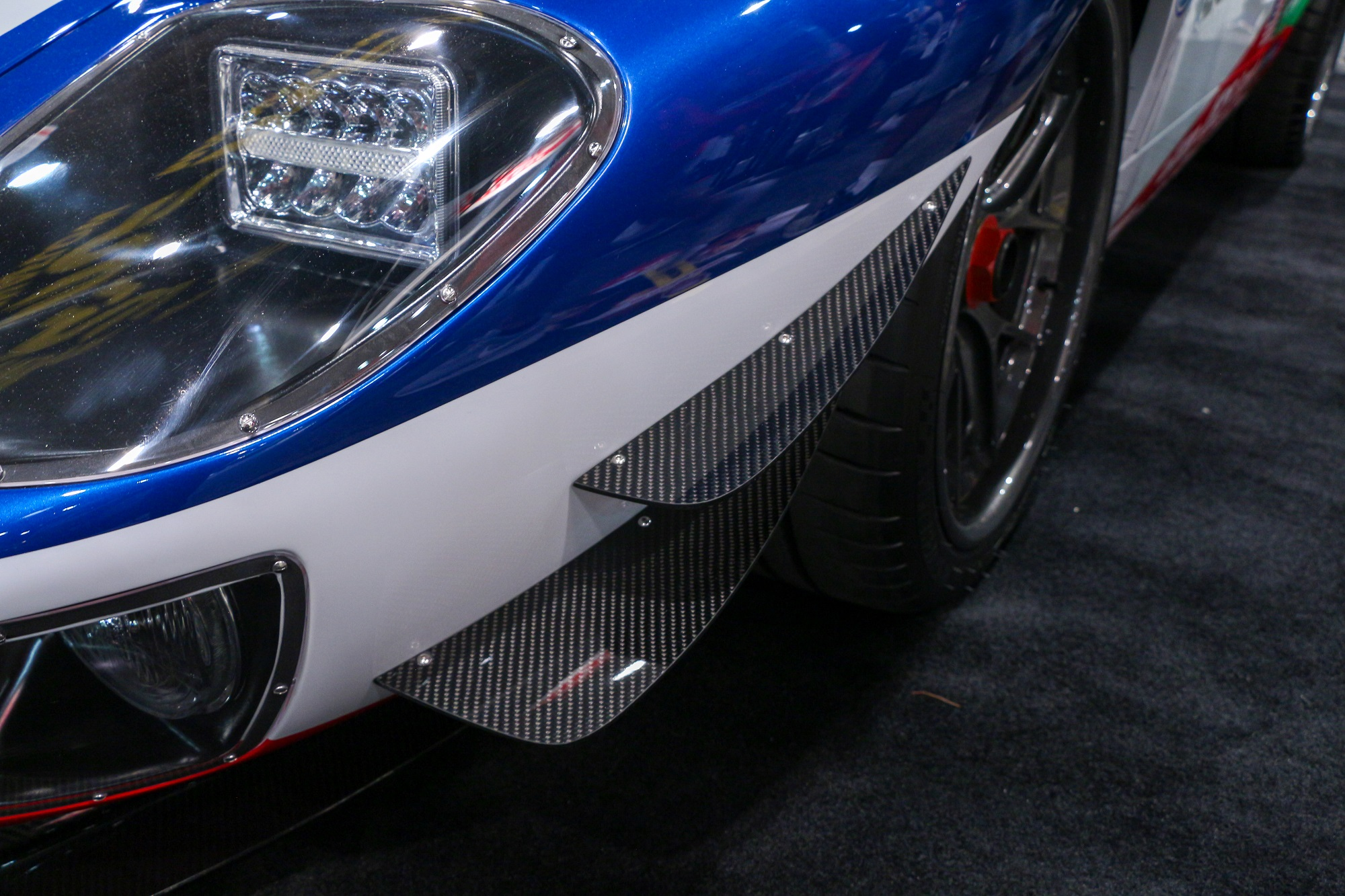 Superformance Future GT Forty GT40 1968 Le Mans Victory Ford GT 6SpeedOnline.com