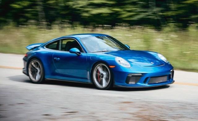 6speedonline.com 2018 Porsche 911 GT3 Battles Aston Martin Vantage and Mercedes-AMG GT C
