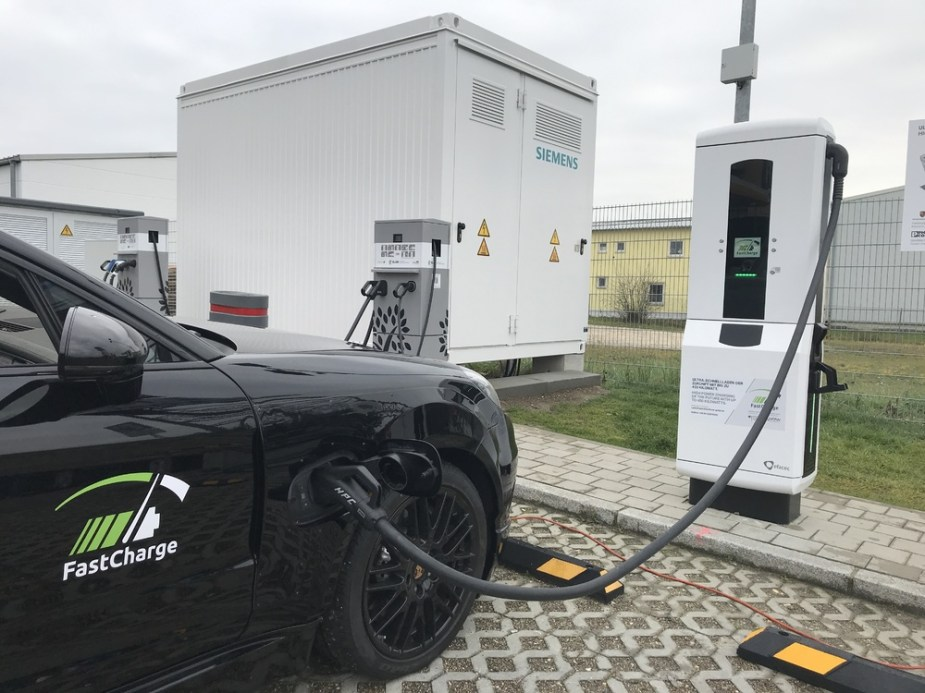 Porsche FastCharge Ultra-high-power Electric Vehicle Charging Taycan