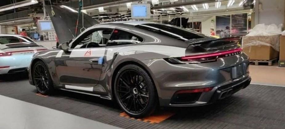 992 Porsche 911 Turbo Leaked!