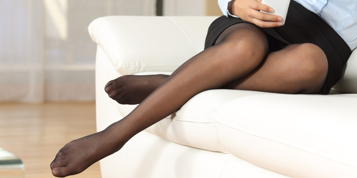Do ladies wear pantyhose