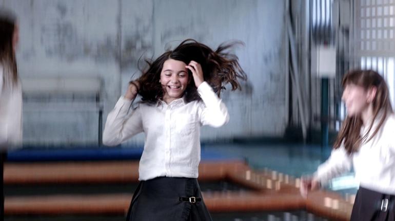 'Las niñas' la historia de una niña en la España de los 90