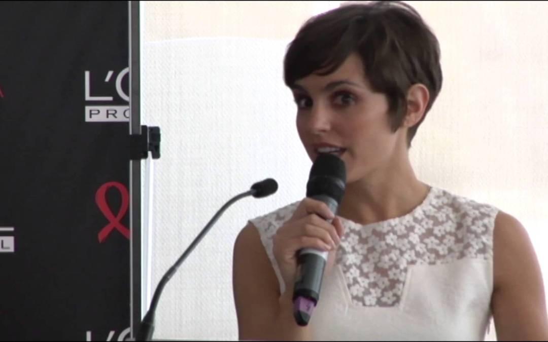 Veronica Echegui recibe el premio Belleza Comprometida