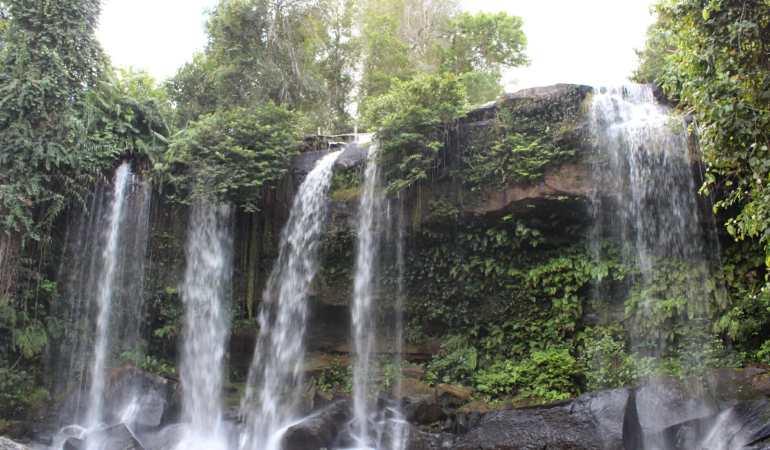 A cachoeira deslumbrante.