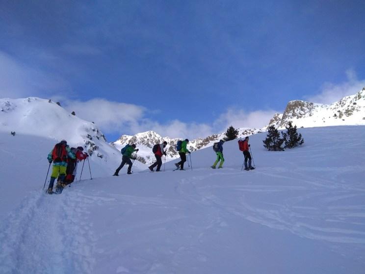 raquetes de neu tavascan guia de muntanya joel garcia