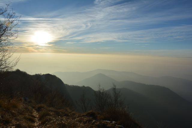 Von der Flanke des Canto Alto reicht der Blick kilometerweit