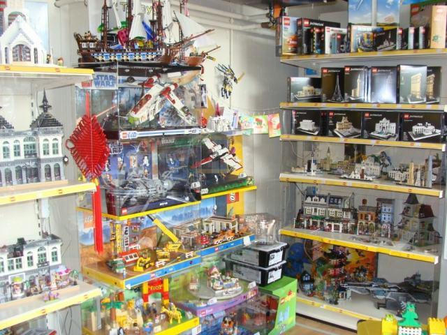 LEGO vitrines