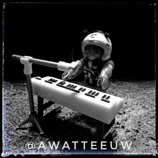 Astronaut waant zich Vangelis. In space.