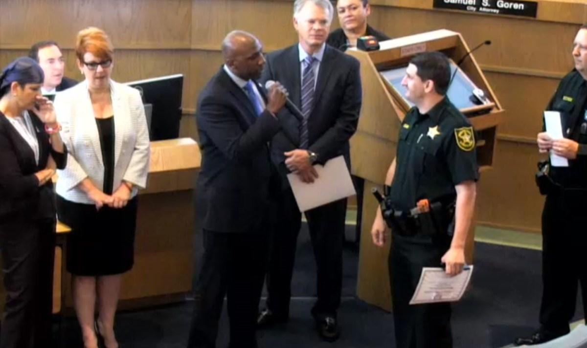 Florida city commissioner confronts deputy at awards ceremony over arrest
