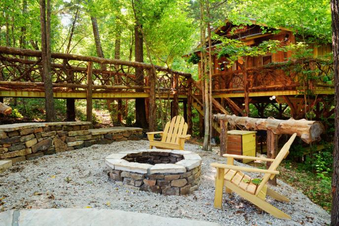 Treehouse_Retreat_Front