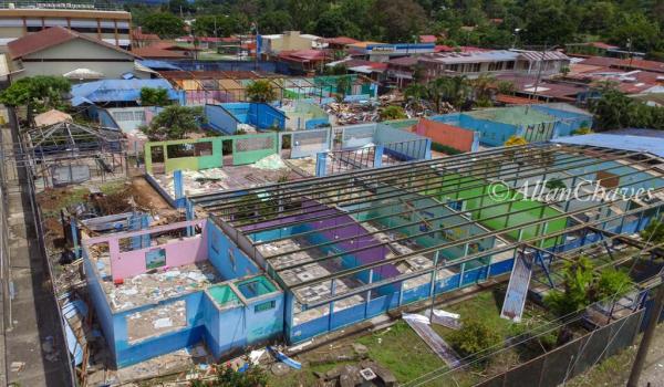 Ya inició la construcción de moderna escuela en Ciudad Neily